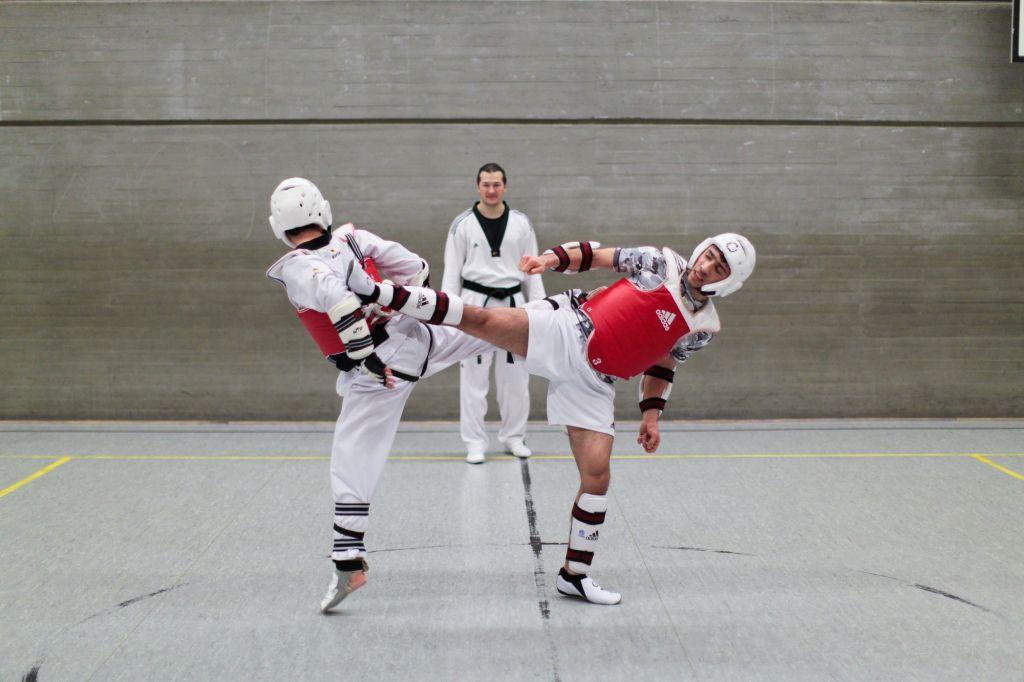 Sang-Tae Güclü vs Sebghatullah Oqab beim Tag des offenen Trainings